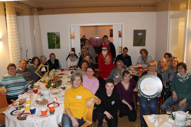 Oldenburg Weihnachtsfeier.Menschen Helfen Sinnvolles Tun Anerkennung Bekommen Mcdonald S